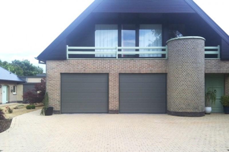 Vaco sectionale garagepoort met stucco motief